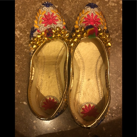 f20b8330f6364 Indian shoes for girls. Approx size 9